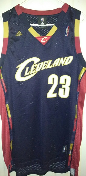 best loved c1ff2 70ae3 Cleveland Cavaliers Retro LeBron James Jersey